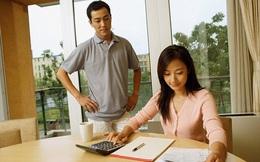 """4 sai lầm trong tiêu tiền mà tới 90% các cặp vợ chồng trẻ đều mắc phải khiến tiền kiếm bao nhiêu vẫn """"rỗng ví"""" và 3 cách khắc phục"""