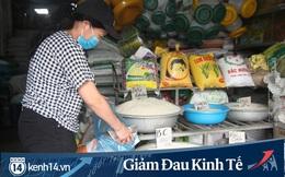 Gặp người chủ trọ ở Hà Nội tặng gạo, nước mắm cho khách thuê mùa dịch Covid-19
