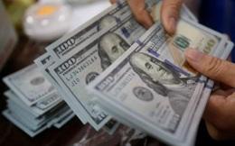 """Giá USD trên """"chợ đen"""" và ngân hàng đồng loạt giảm mạnh"""