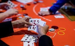 """Câu lạc bộ của những tay chơi poker tài phiệt: Hậu phương vững chắc của """"chúa chổm"""" bất động sản lớn nhất Trung Quốc!"""