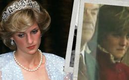 """Sự thật phía sau bức ảnh Công nương Diana bật khóc tại sân bay: Cứ ngỡ cuộc chia ly xúc động hóa ra là giây phút biết mình là """"người thừa"""""""