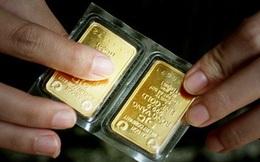 Chênh lệch giá mua - bán vàng trong nước được rút ngắn, người dân tranh thủ bán