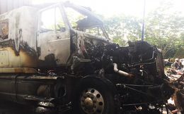 Xe container bốc cháy dữ dội khi đang chạy, tài xế bung cửa thoát thân