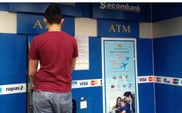 """""""Nút thắt"""" nào khiến ngân hàng khó giảm mạnh phí dịch vụ?"""