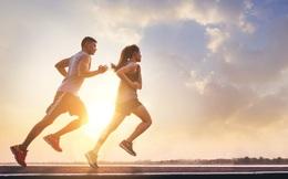Chuyên gia hướng dẫn cách chuẩn bị tốt nhất để chạy bộ trong ngày hè nóng rát: Bỏ qua những lưu ý này, bạn rất dễ bị tổn hại đến sức khỏe