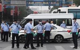 """Bóng ma Covid-19 trở lại, biện pháp """"thời chiến"""" xuất hiện, Bắc Kinh gồng mình tránh thành Vũ Hán 2.0"""
