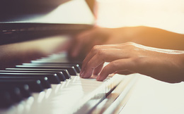 15 năm chơi piano đã dạy tôi một bài học lớn: Đừng nên thúc ép bản thân phải thành công thật nhanh, những điều tuyệt vời đều cần có thời gian