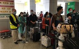 Đưa hơn 300 công dân Việt Nam từ Angola về nước an toàn