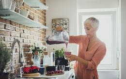 Sau tuổi 40, cơ thể trải qua sự thay đổi lớn: Bạn càng sớm điều chỉnh chế độ dinh dưỡng, sức khỏe càng bền lâu