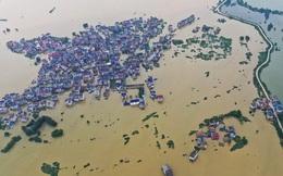 Nước lũ ngập dưới chân, Trung Quốc hứng thêm nắng nóng 39-40 độ