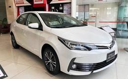 Đón bản mới, Toyota Corolla Altis dọn hàng tồn giảm giá thấp kỷ lục, còn từ 590 triệu đồng