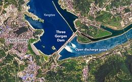 NASA tiết lộ ảnh vệ tinh hiếm chụp khoảnh khắc đập Tam Hiệp xả lũ