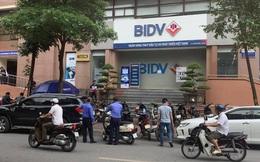 Hai tên cướp nổ súng, cướp đi vài trăm triệu tại chi nhánh BIDV ở Hà Nội