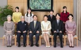 Hoàng gia Nhật công bố ảnh chụp đại gia đình chào mừng năm mới 2020, gây chú ý nhất là màn đọ sắc của 3 nàng công chúa