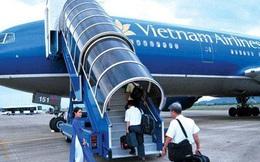 Tiếp viên trưởng hãng VietNam Airline bị tạm giữ vì nghi buôn lậu thuốc lá, dầu xoa bóp
