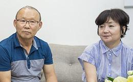 """HLV Park Hang-seo kể lại kỷ niệm nhỏ, ý nghĩa lớn của vợ: """"Bà ấy sợ tôi không sang Việt Nam, đích thân lái xe chở tôi đến buổi đàm phán lịch sử"""""""