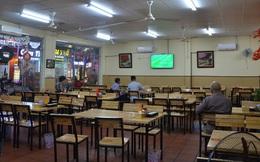 Sợ bị phạt nồng độ cồn, người hâm mộ bỏ quán nhậu, đổ đến cafe xem trận Việt Nam - UAE