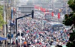 TP HCM: Hàng chục ngàn người đổ ra đường đến bến xe