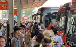 Người dân miền Tây ùn ùn rời Sài Gòn về quê ăn Tết