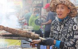 """2.000 con cá lóc nướng bán sạch trong một buổi sáng, nhiều gia đình ở Sài Gòn kiếm tiền """"khủng"""" trong ngày vía Thần tài"""