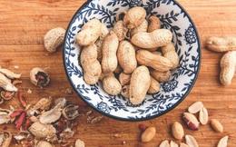 Lạc rất bổ dưỡng nhưng có 3 nhóm người không nên ăn vì sẽ ảnh hưởng xấu đến sức khỏe