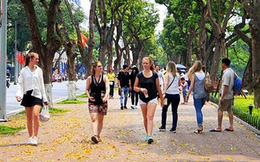 Khách du lịch đến Hà Nội bất ngờ tăng trở lại