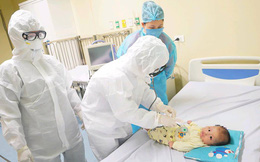 Hành trình bé 3 tháng tuổi thoát bệnh Covid-19