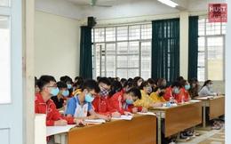 Đủ 'chiêu' phòng dịch ngày đầu tiên sinh viên Hà Nội trở lại giảng đường