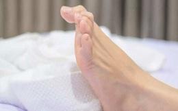 """4 dấu hiệu khi ngủ cho thấy mỡ đang """"chảy"""" khắp người bạn"""