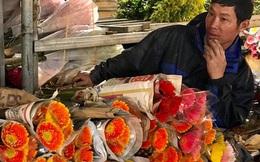 Doanh thu giảm 80%, tiểu thương chợ hoa Quảng An chỉ dám nhập cầm chừng