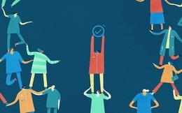 """Gửi những con người """"cày như trâu"""" nhưng lương vẫn lẹt đẹt: Nhân viên quèn nghĩ về cách làm cho xong, nhân viên giỏi nghĩ về cách làm vượt trội"""