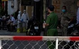 NÓNG: Cách ly 1 người nước ngoài nghi mắc Covid-19 trú ở phố Bùi Viện