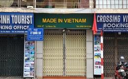 """""""Căng mình"""" chống đỡ Covid-19 không thành, hàng loạt văn phòng tour ở Hà Nội đóng cửa"""