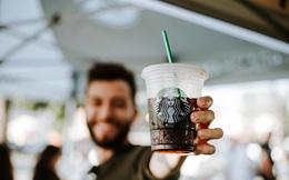 Giải mã 'cỗ máy bán hàng' Starbucks: 5 tuyệt chiêu tâm lý lấy lòng khách kiếm doanh thu, công ty nào cũng cần biết