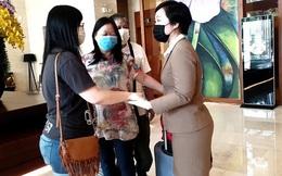 Dỡ cách ly tại khách sạn ở Đà Nẵng nơi 2 khách người Anh dương tính với Covid-19 lưu trú