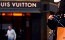 Thương hiệu thời trang lớn nhất thế giới, chủ Louis Vuitton mua 40 triệu khẩu trang chống COVID-19 cho nước Pháp