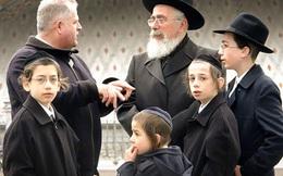 """Người Do Thái quan niệm có 3 điều quan trọng nhất trong cuộc sống thực sự phải làm: Điều thứ 3 ẩn chứa sau câu hỏi """"Nếu nhà cháy, con sẽ đem theo vật gì?"""""""