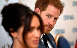 Cuộc sống nhà Sussex ở Mỹ: Harry cô đơn nơi đất khách quê người, phải phụ thuộc vào Meghan Markle nếu muốn định cư lâu dài