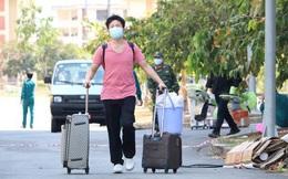 Hơn 2.000 người bịn rịn rời khu cách ly KTX ĐHQG TP HCM