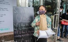 Sau 'ATM gạo', Hà Nội có thêm 'siêu thị 0 đồng' dành cho người nghèo chống COVID-19