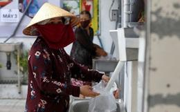 """Báo nước ngoài: """"ATM gạo"""" giúp người nghèo Việt Nam qua nỗi vất vả vì COVID-19"""