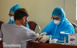 Hà Nội xét nghiệm COVID-19 toàn bộ tiểu thương chợ đầu mối Minh Khai