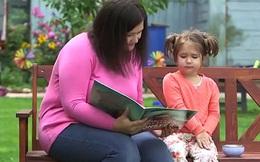 Thần đồng 4 tuổi biết 7 ngôn ngữ và chia sẻ của bà mẹ về cách dạy con khiến mọi người kinh ngạc