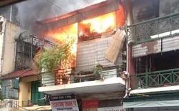 2 ngày sau vụ cháy, ngôi nhà trên phố Hàng Ngang bất ngờ phát lửa