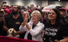 Bầu cử Mỹ 2020: Tổng thống Trump đối mặt nguy cơ giảm phiếu bầu khi nhiều cử tri già tử vong vì COVID-19