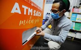 Trải nghiệm 'cây ATM sách' miễn phí đầu tiên tại Hà Nội
