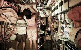 """Bi kịch thế giới """"nhà chuồng cọp"""" ở Hong Kong những ngày 'cách ly xã hội': Mỗi phòng cả chục người, giãn cách kiểu gì bây giờ?"""