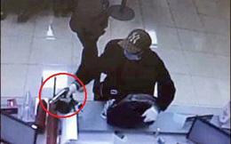 Nghi phạm cướp ngân hàng ở Sóc Sơn ra đầu thú