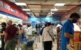 Chợ, siêu thị ở TP HCM đông vui trong 2 ngày nghỉ lễ