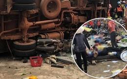 NÓNG: Kinh hoàng 2 xe tải và 1 ô tô con va chạm rồi lao vào chợ, nhiều người bị đâm nằm la liệt